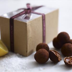 pale-lemon-sea-salt-caramel-truffles-11-600x600